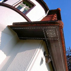 Restaurierung der Schablonierung in Wehrsdorf